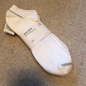 NWT Men's GAP Ankle Socks 3 pair